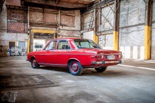 Audi100-36