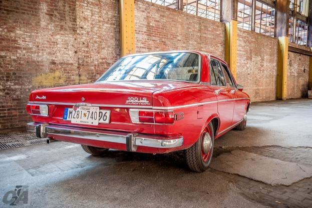 Audi100-39